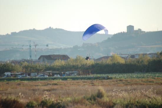 atterraggio deltaplano a motore